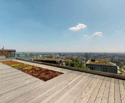 Penthouse with terrace and panoram. views of Koliba- contactless insp.