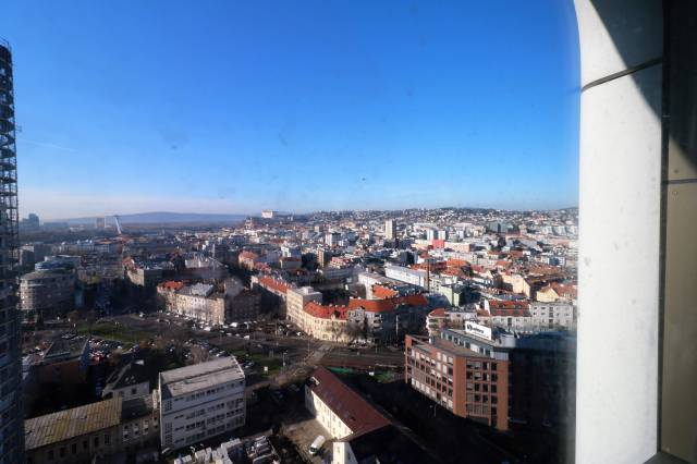 FOR SALE - SKYPARK 1 bedroom apartment with view to the castle, tower2